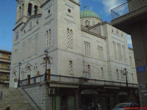 τρίπολη εκκλησία - πολυκατάστημα